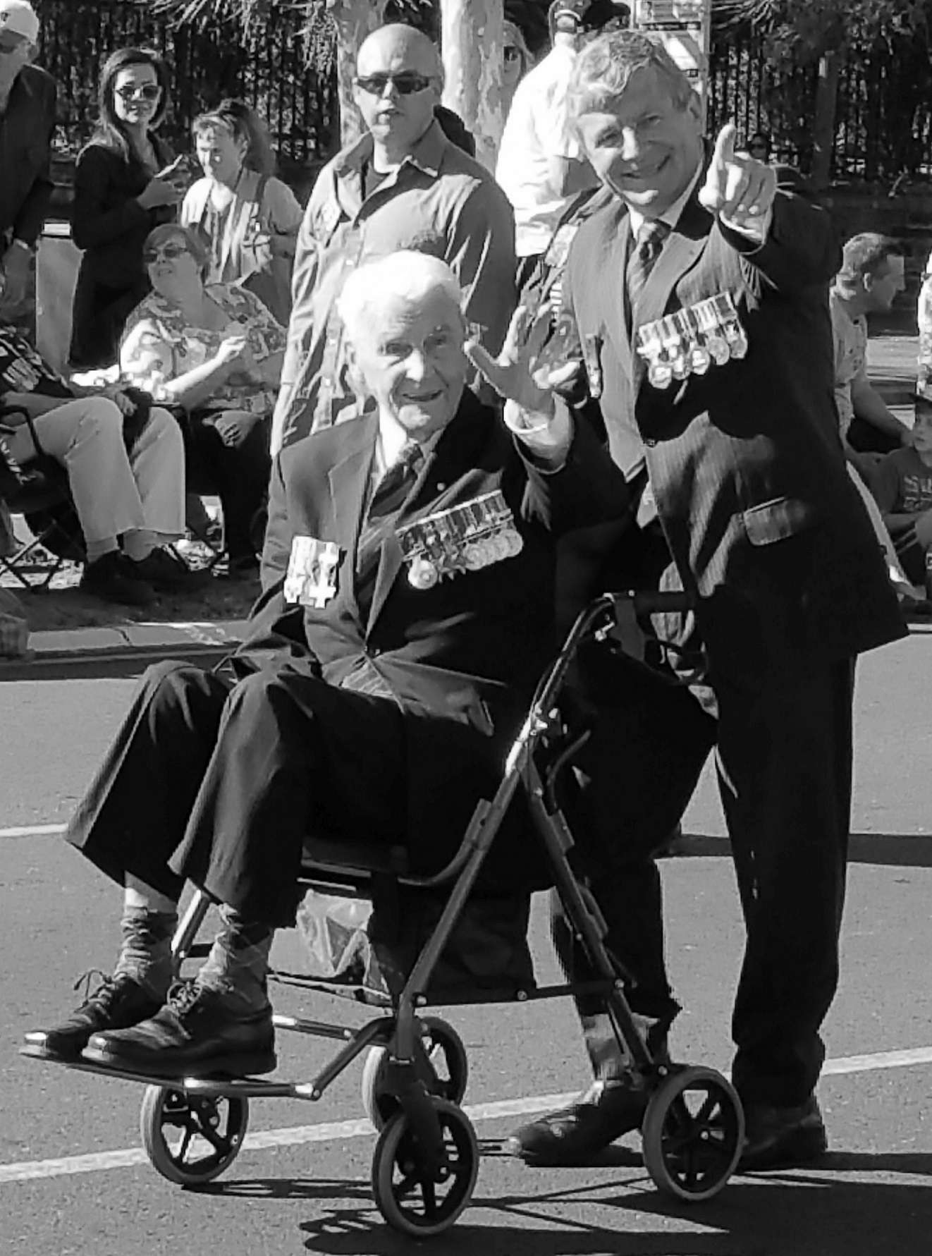 adelaide_anzac_day_old_soldier_wheel_chair