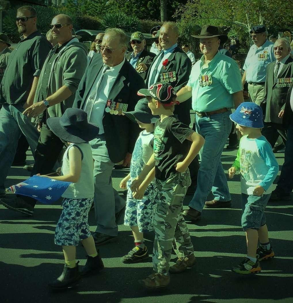 adelaide_young_children_anzac_day_2016