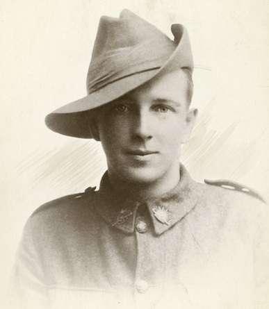 Alexander_Fraser_KIA_Western_Front_1918_photo